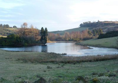 The right side of the Knapps Loch is partially frozen!.