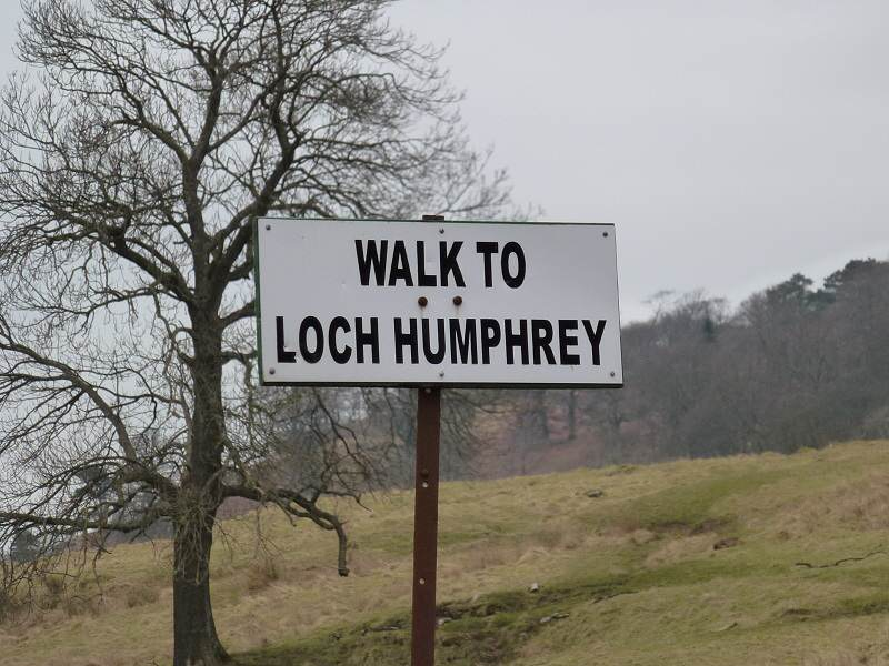 loch humphrey sign